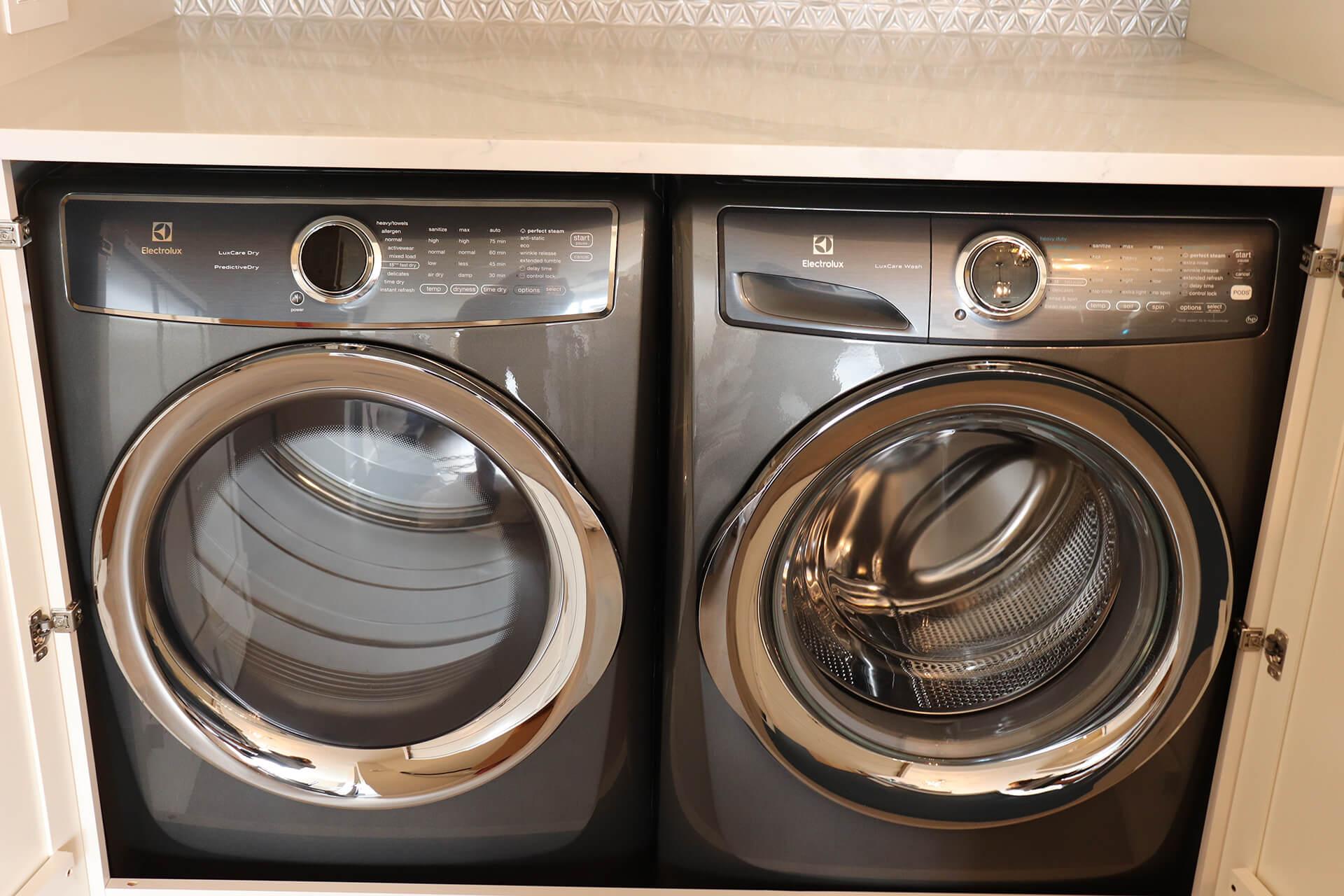 4-Washer Dryer